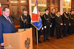 Sekretarz Stanu w Ministerstwie Spraw Wewnętrznych i Administracji Jarosław Zieliński spotkał się ze strażakami Państwowej Straży Pożarnej