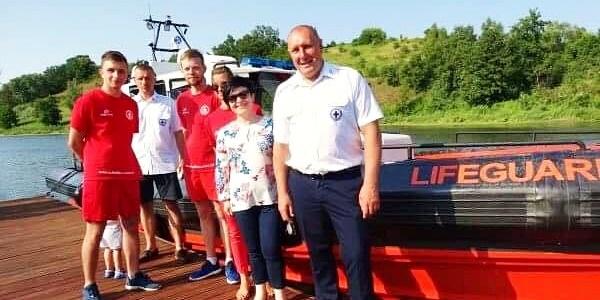 Uroczyste wodowanie łodzi ratunkowej WOPR w Marinie Zarzeczewo