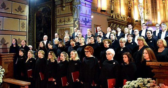 Koncert Chóru Filharmonii Narodowej we włocławskiej katedrze