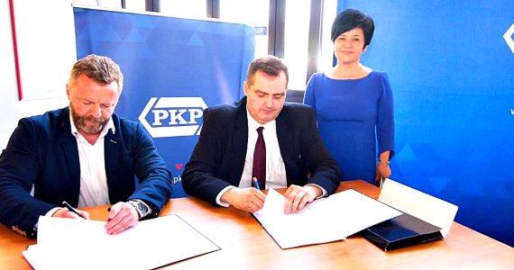 Podpisanie umowy pomiędzy PKP a projektantem włocławskiego dworca