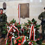 Odsłonięcie tablicy upamiętniającej Pułk Ułanów Karpackich w Sanktuarium NMP Gwiazdy Nowej Ewangelizacji i św. Jana Pawła II
