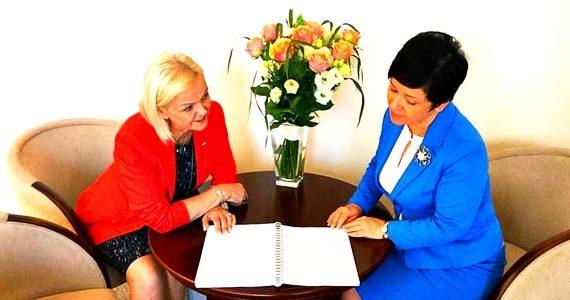 Spotkanie Poseł Joanny Borowiak z Minister Rodziny, Pracy i Polityki Społecznej