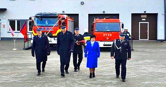 Jednostki OSP w Rogowie i Starym Kobrzyńcu otrzymały wozy ratowniczo-gaśnicze