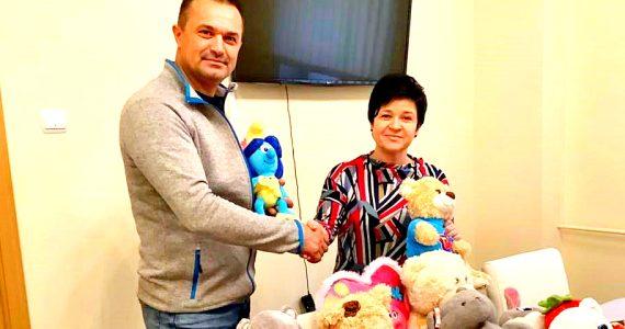Świąteczna akcji zbierania artykułów szkolnych i zabawek dla polskich dzieci w Kazachstanie