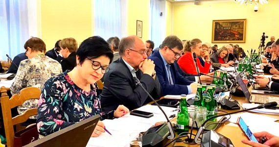 Sejmowa komisja finansów publicznych oraz polityki społecznej i rodziny